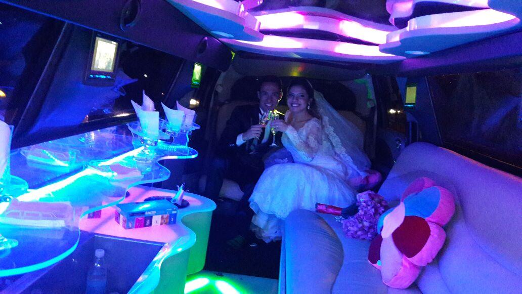 aluguel limousine casamento
