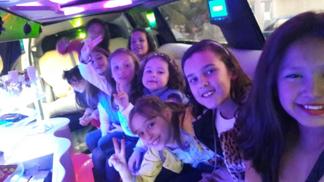 aluguel limousine infantil